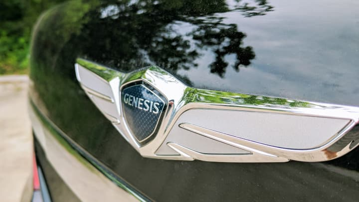 CNBC Tech: Genesis G90 5