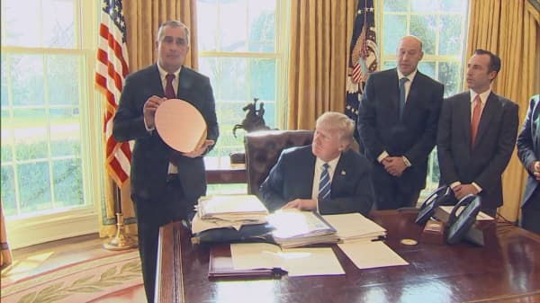 Intel CEO Brian Krzanich quits Trump's manufacturing council