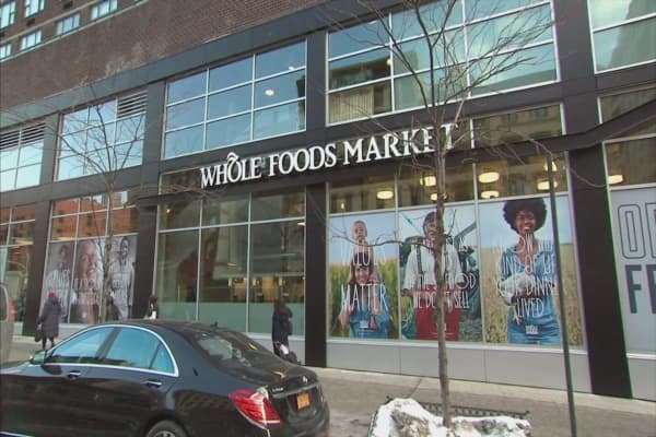 Amazon's debt offering to fund Whole Foods acquisition includes 40-year bond