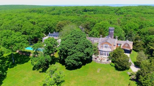 An aerial view of Christie Brinkley's Bridgehampton, New York, mansion.