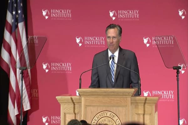 Mitt Romney urges Trump to apologize for Charlottesville reaction