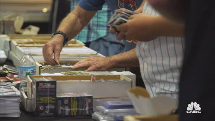 Collecting sports memorabilia? Watch out for fakes