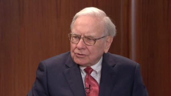 Bankrupt utility company abandons $9 billion Warren Buffett deal