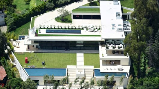 Jay Z and Beyonce have purchased a 30,000 square foot mansion in LA's Bel Air neighborhood for $88 million.