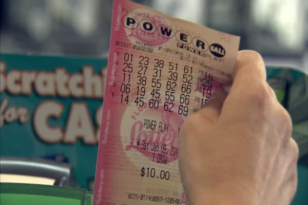 Powerball jackpot reaches $700 million, second-largest prize ever