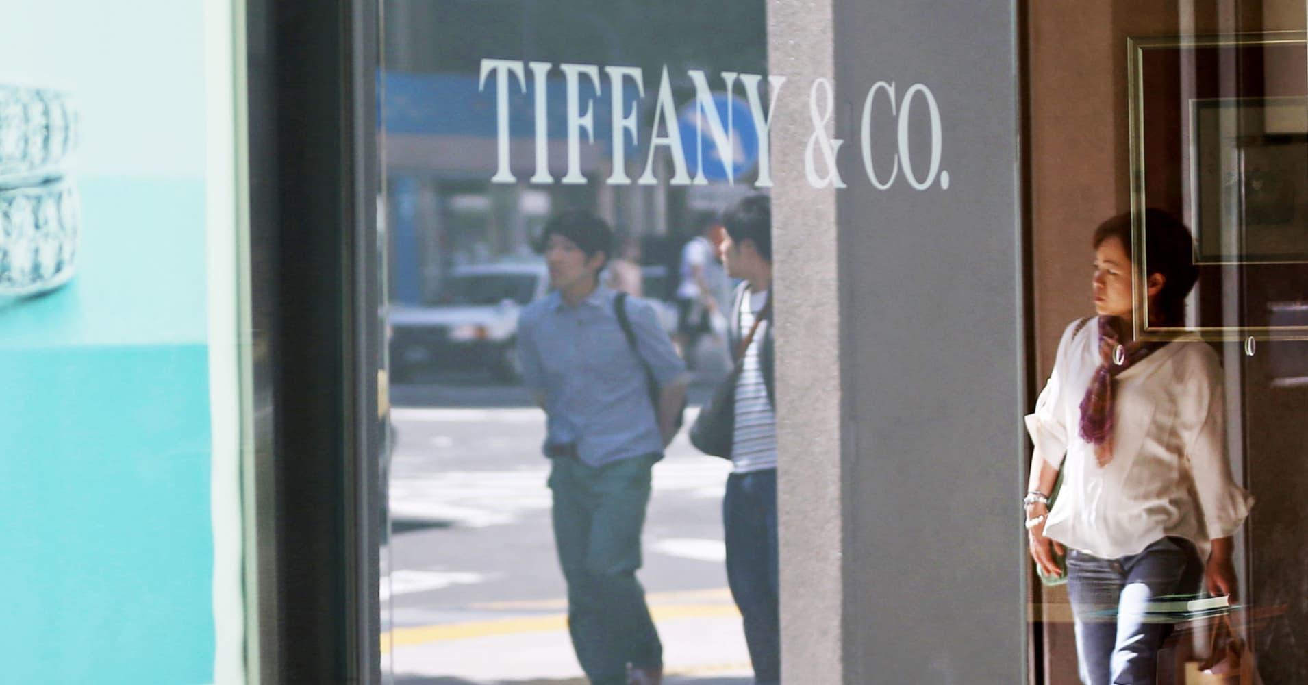 Tiffany Shares Jump After Citi Upgrades