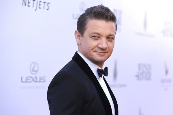 Jeremy Renner attends the premiere of Wind River