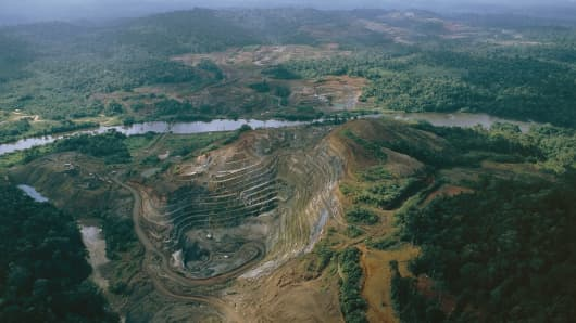 Aerial view of a manganese mine, Serra do Navio, north of Macapa, State of Amapa, Brazil.