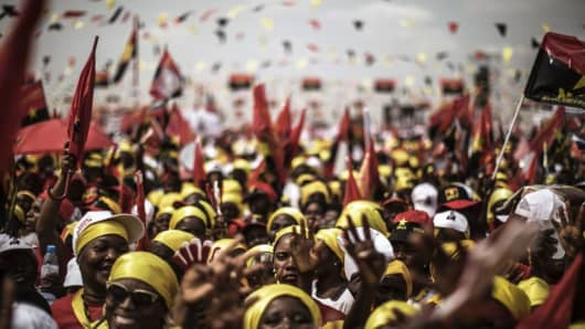 Supporters of MPLA presidential candidate Joao Lourenco gather during the closing campaign rally in Luanda, Angola, on August 19, 2017.