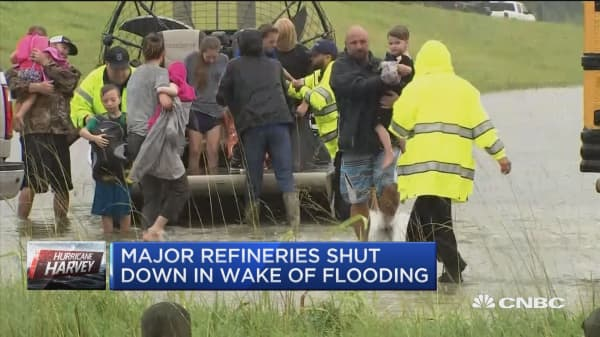Major oil refineries shut down in wake of flooding