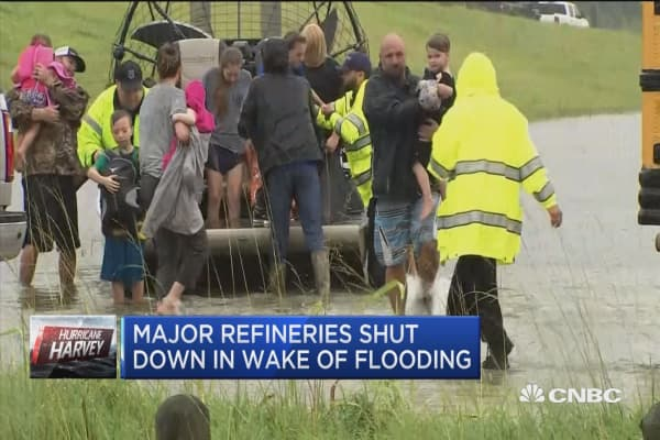 Major oil refineries shut down in wake of flooding