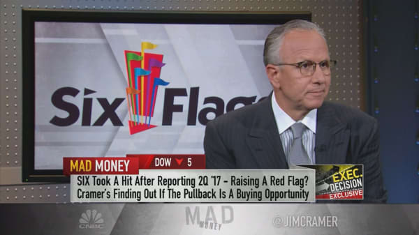 Six Flags CEO bought $3 million worth of company's shares to prove theme park giant's value