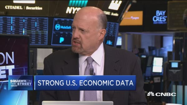 Stocks could edge higher if Trump sticks to prompter on tax reform: Jim Cramer