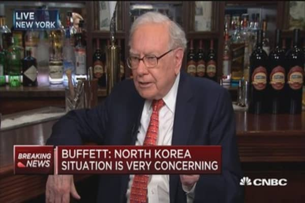 Buffett: I'm not in the business of attacking any president