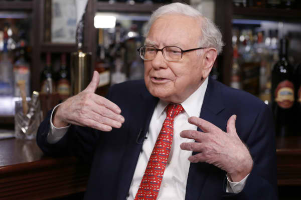 Famed investor Warren Buffet thinks all cryptocurrencies will have a 'bad ending'