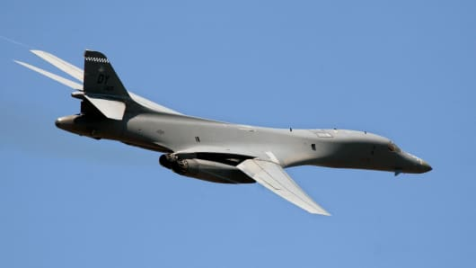 A Uniited States Air Force B-1B jet flies over Farnborough International Air Show