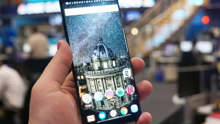 Samsung, Galaxy J7+, dual camera, smartphone