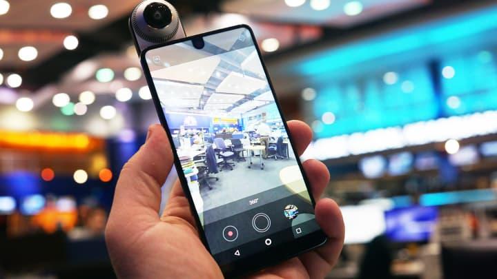 CNBC Tech: Essential camera 4