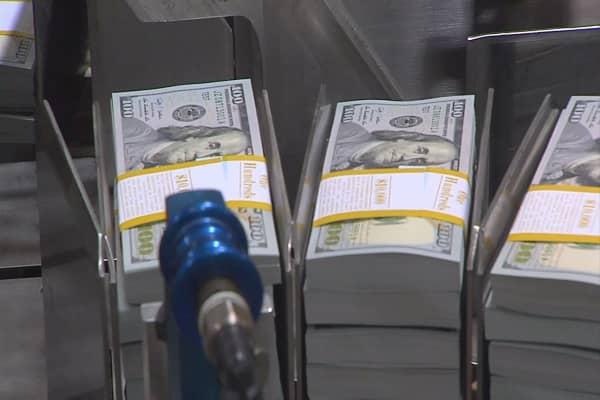 A $1,000 per month cash handout would grow the economy