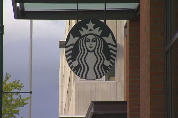 Starbucks sued by biggest mall operator in America over Teavana closures