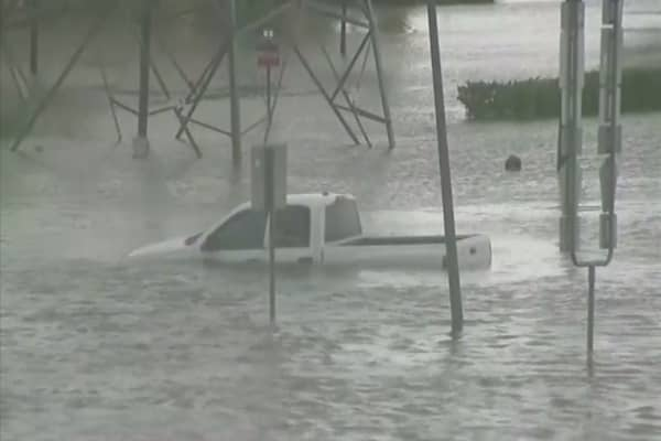 Automakers look ahead to replacing Houston's drowned cars