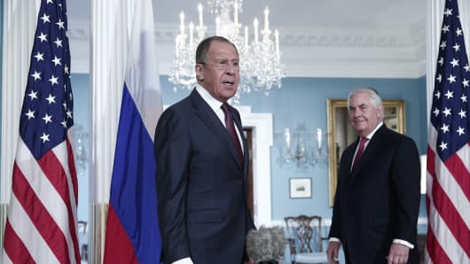 Russia's Foreign Minister Sergei Lavrov (L) and US Secretary of State Rex Tillerson speak to the media before their talks at the United States Department of State on May 10, 2017.