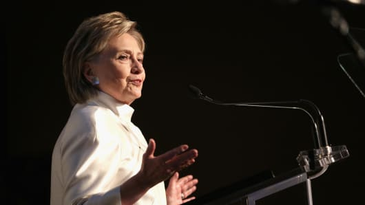 104688832-Hilary_Clinton_.530x298.jpg?v=