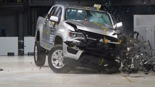 Chevrolet Colorado test crash.