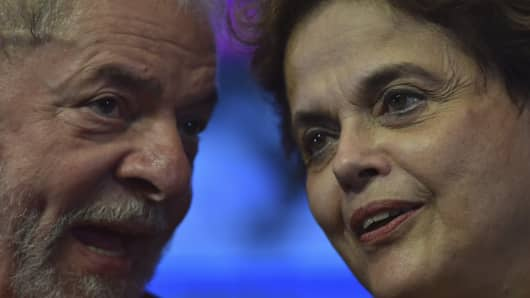 Former Presidents of Brazil Lula da Silva and Dilma Rousseff talk during the 6th National Congress of the Labour Party at Sede Nacional do PT on June 01, 2017 in Brasilia, Brazil.