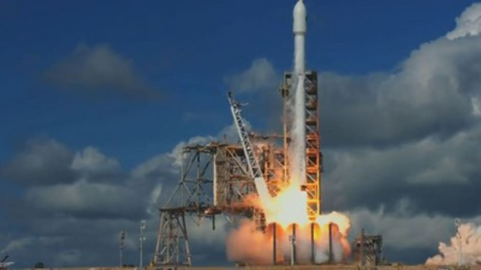 SpaceX just launched a  super-secret spy craft into orbit