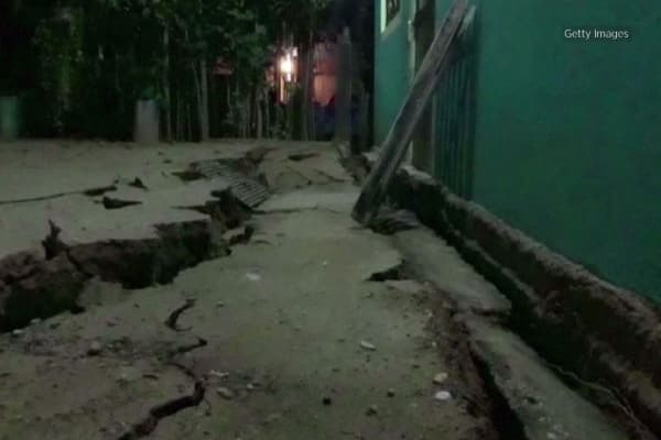 Mexico struck by earthquake of magnitude 8, tsunami ...