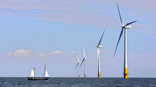 Offshore wind to power £17.5bn investment boom as costs halve