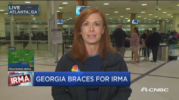 Atlanta airport cancels 798 inbound and outbound flights