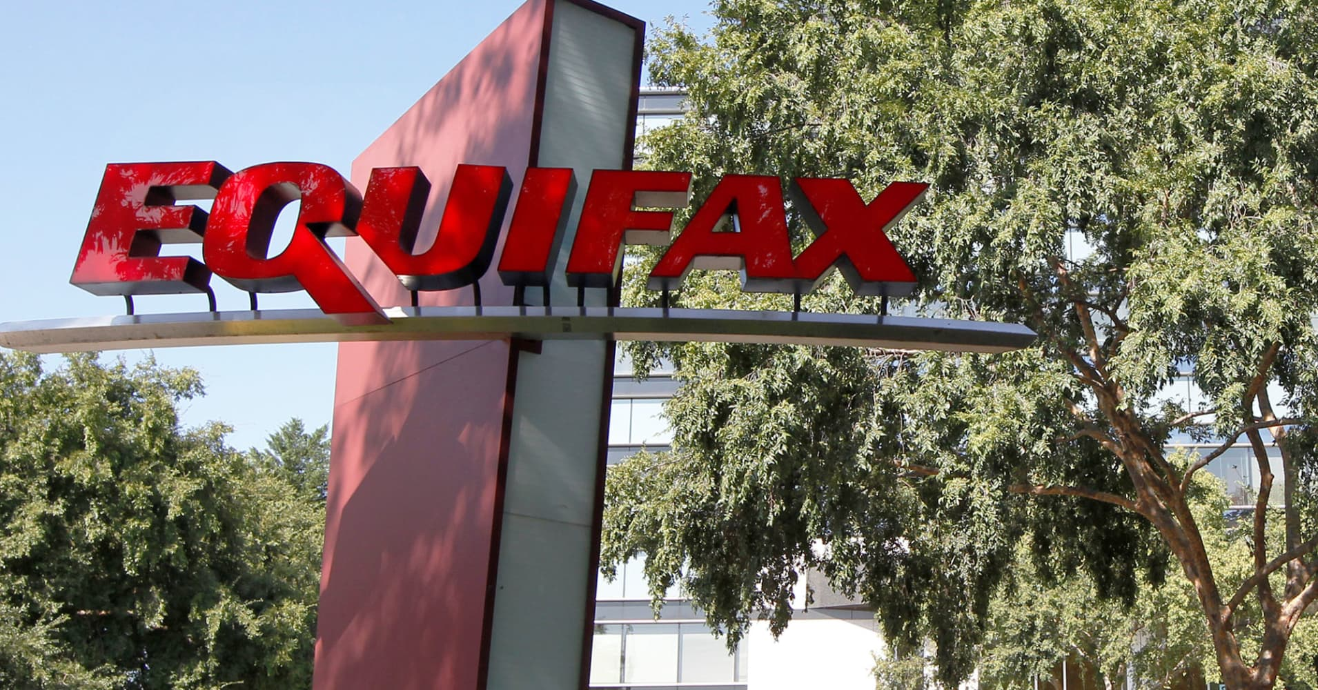 Former Equifax executive charged with insider trading for dumping nearly $1 million ahead of data breach