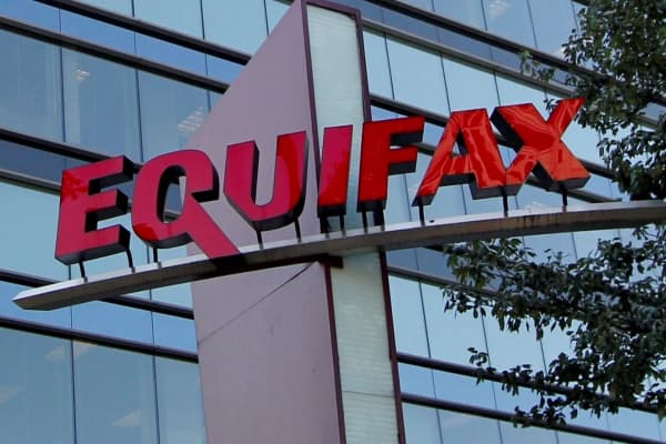 Senate Finance Committee questions Equifax