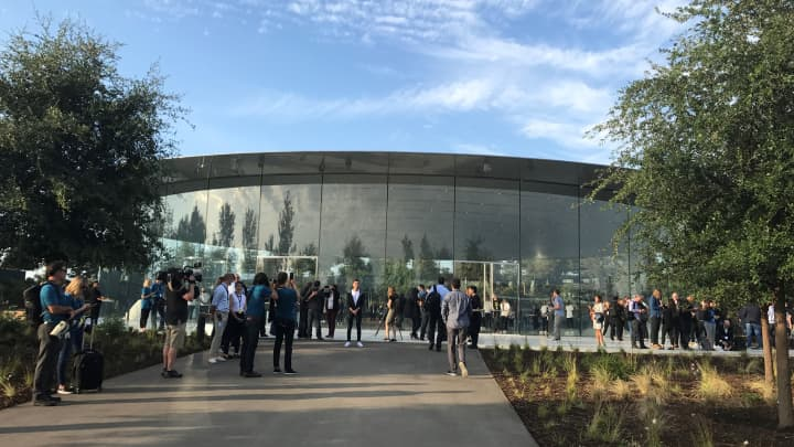 CNBC Tech: Apple Campus 2