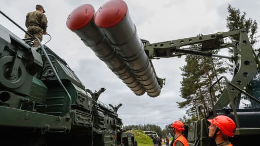 Recharging an S-400 Triumf surface-to-air missile system in military training of the 428th Zvenigorod Guards Missile Regiment on combat duty.