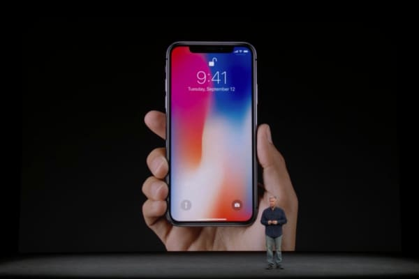 The New Apple iPhone 8 Gets Reviewed