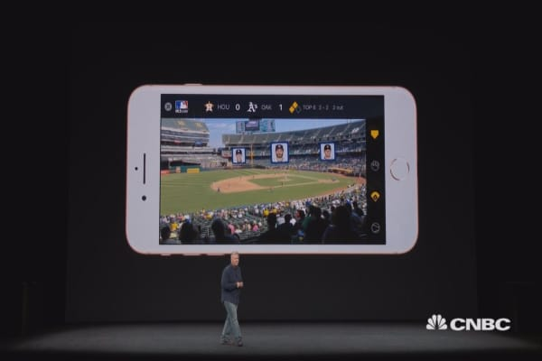 Watch Apple demonstrate iPhone 8 AR
