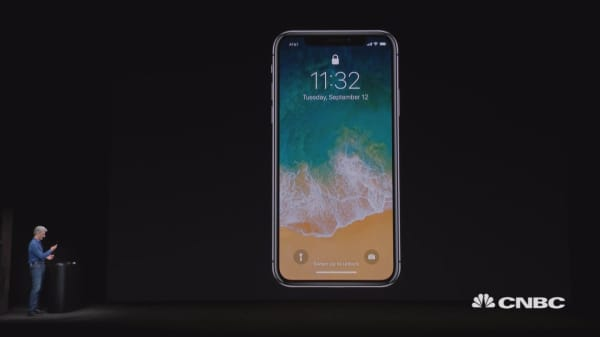 Watch Apple's demo of facial recognition on the iPhone X fail