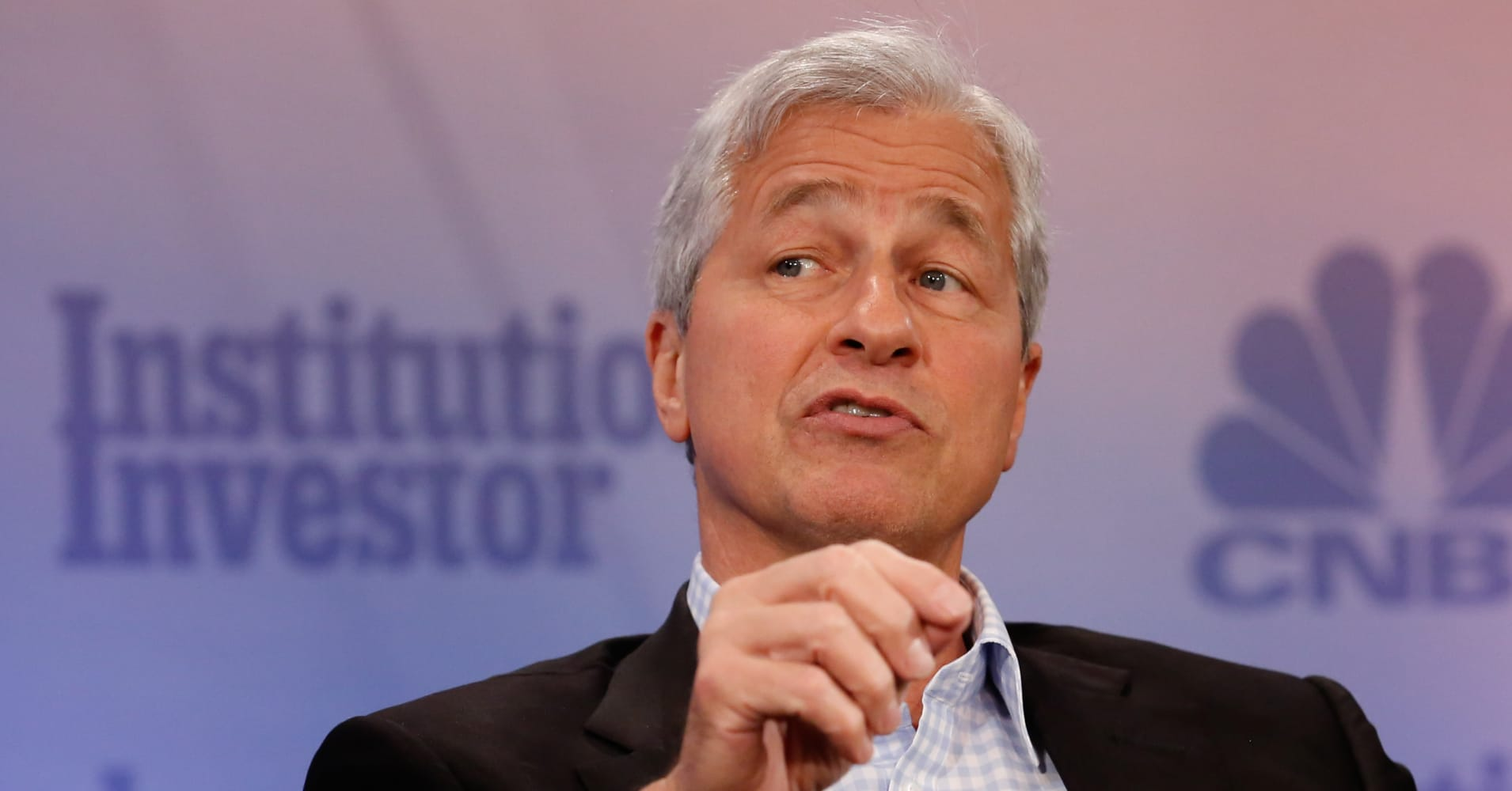 Why doesnt jp morgan invest in crypto