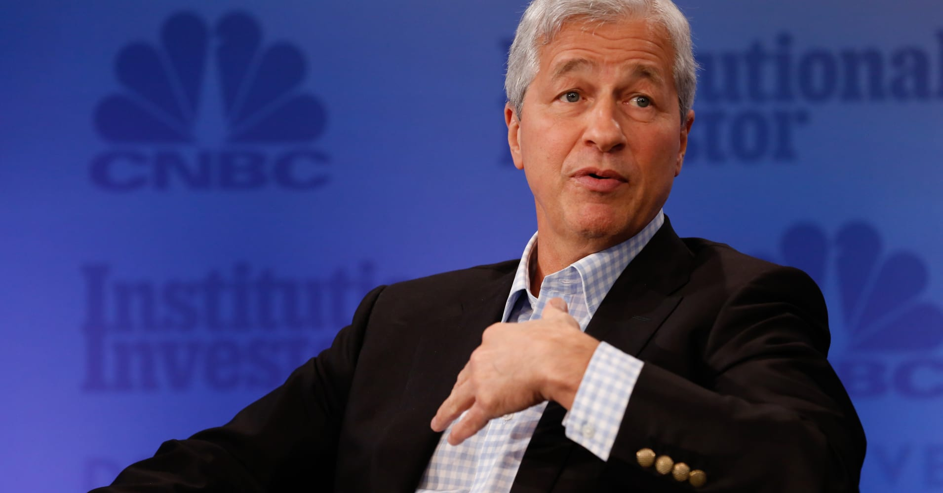 Jamie Dimon: Trump's trade policy is a fly in the ointment that could end the economic recovery