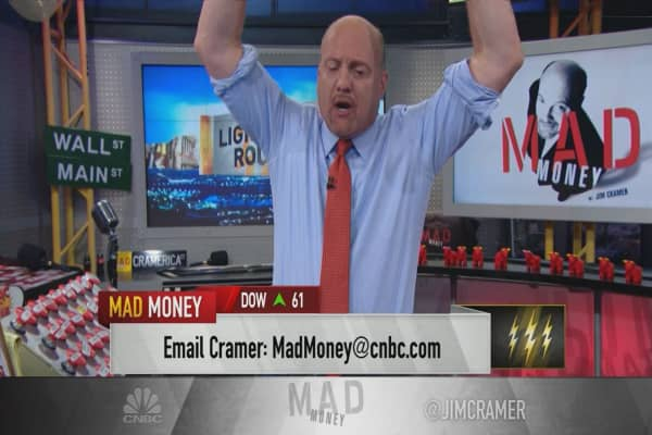 Cramer's lightning round: Why I've never bet against Wynn Resorts' CEO in my life