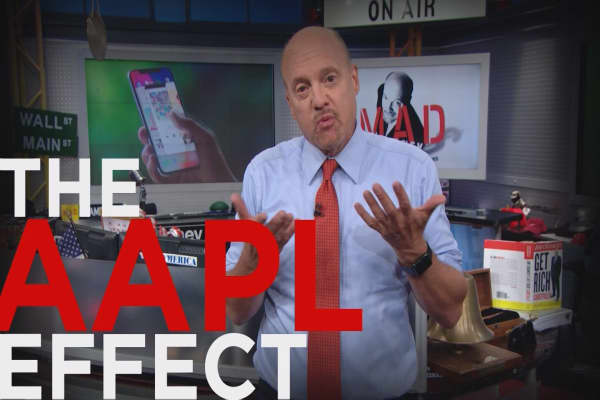 Cramer Remix: Yes, you'll buy Apple's $1000 phone