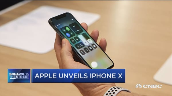 Apple's iPhone 10? People will pay for anything that makes games better: Jim Cramer