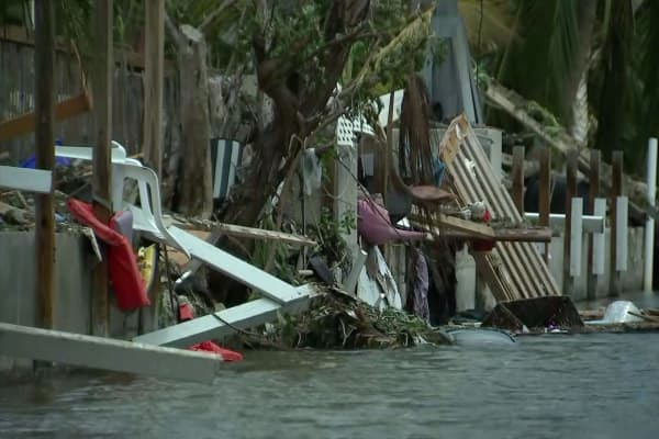 Florida evacuees stunned by Irma's wreckage