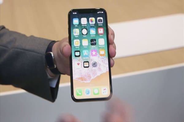Wall Street gushes over new iPhone X.