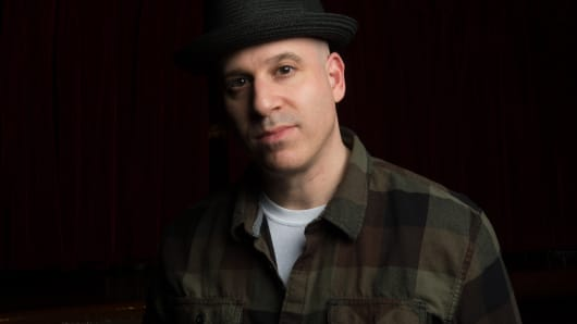 Artist and Life of Agony bassist/songwriter Alan Robert