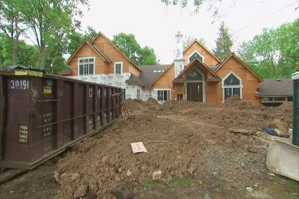 High home prices cause house flippers to pull back