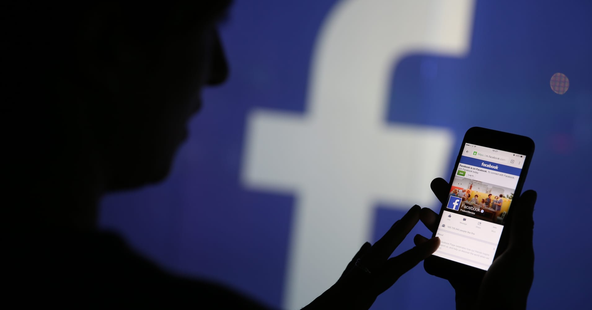 Facebook: Mosque shootings video viewed 4,000 times before removal